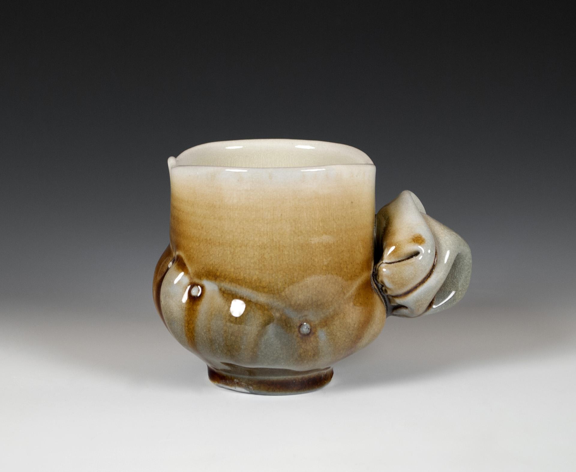 Bustle Cup
