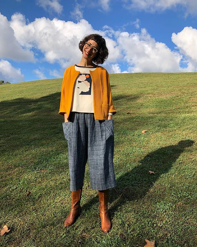Happy Fall, y'all! Just dropped this outfit and so much more @shopmakeandmatter yesterday just in time for the crisp, cool temps! I'm hanging out at the store today... come say hi and get geared up for this favorite season 🍁💛 Psst... super limited run pieces - when they are gone they are gone. These will not go on our site for a while. So, if you're interested in purchasing DM me.