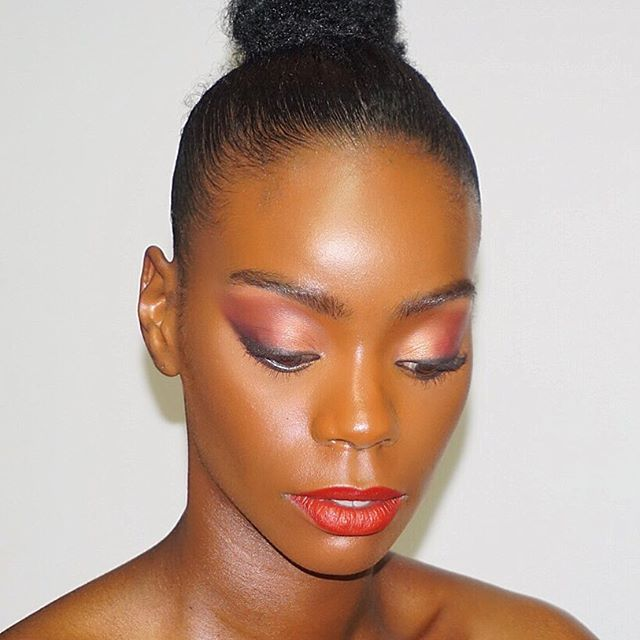 Great day making up @_bryanna_moore__ !! I went for really polished skin using @kevynaucoin @maccosmetics @cinemasecretspro @coverfx  Eyes are the one of the  @hudabeauty #obsessionpalette in #mauve