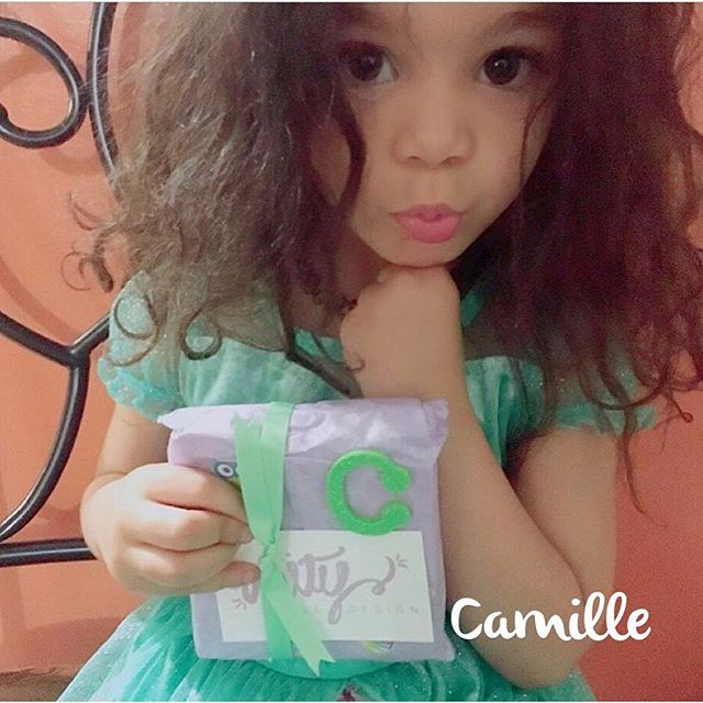 When your Unity impression kit arrives in the mail....YOU must strike a pose~!!💜 Thanks Camille for the adorable pic. #unitysmile #shareyoursmile