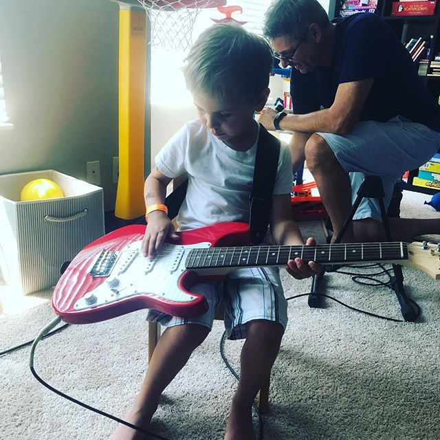 Jack's new electric guitar! He named our family the Stone family band. We'll be hitting the road soon 🎸