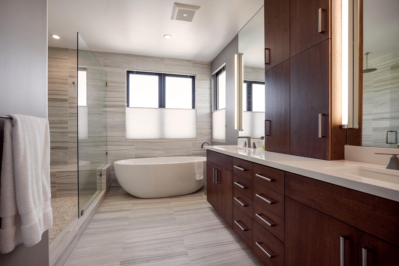 Palms-Blvd-Bathroom-1500x1000.jpg