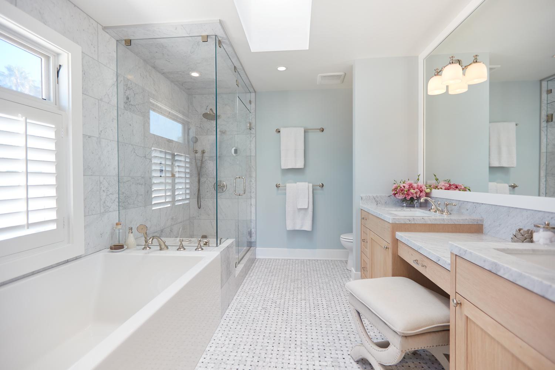 Stoner-Upstairs-Bathroom-Alt-1500x1000.jpg