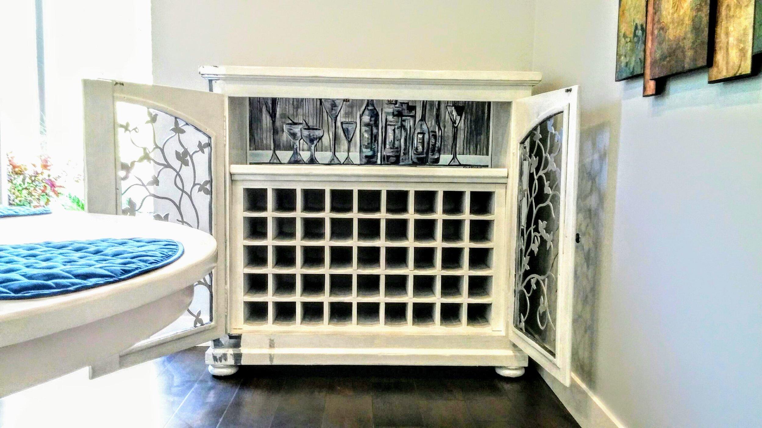 """Cocktail O'Clock"" Wine Cabinet (Interior)"