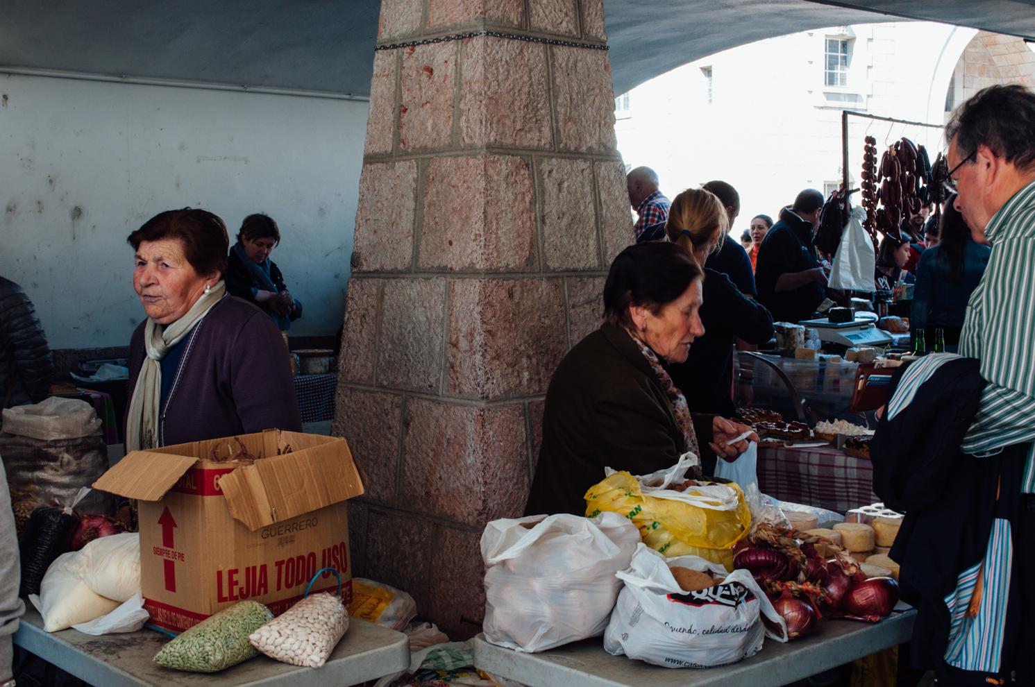 Mercado_de_Cangas_de_Onis_by_MonicaRGoya-18.jpg