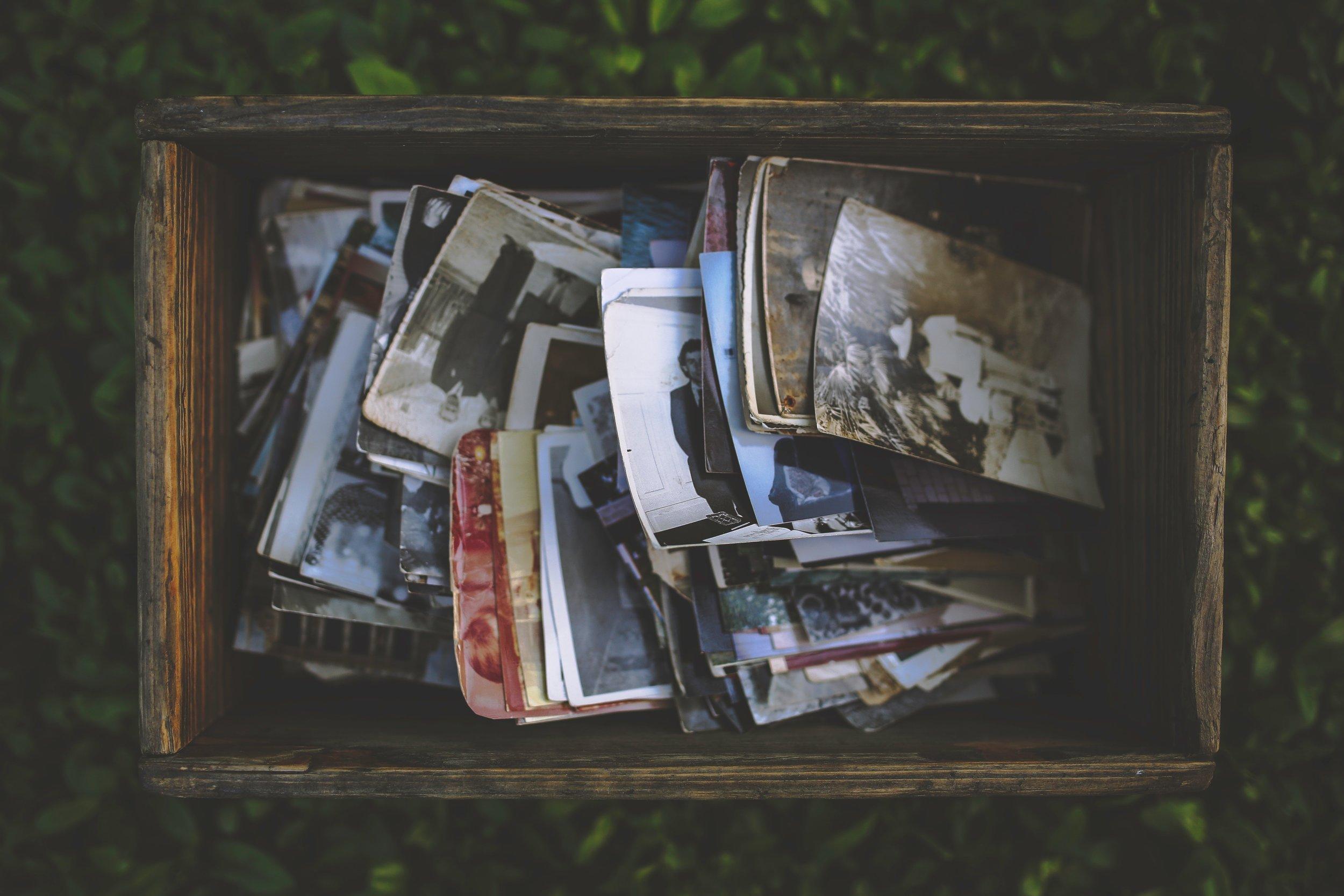 box-memories-nostalgic-5842.jpg