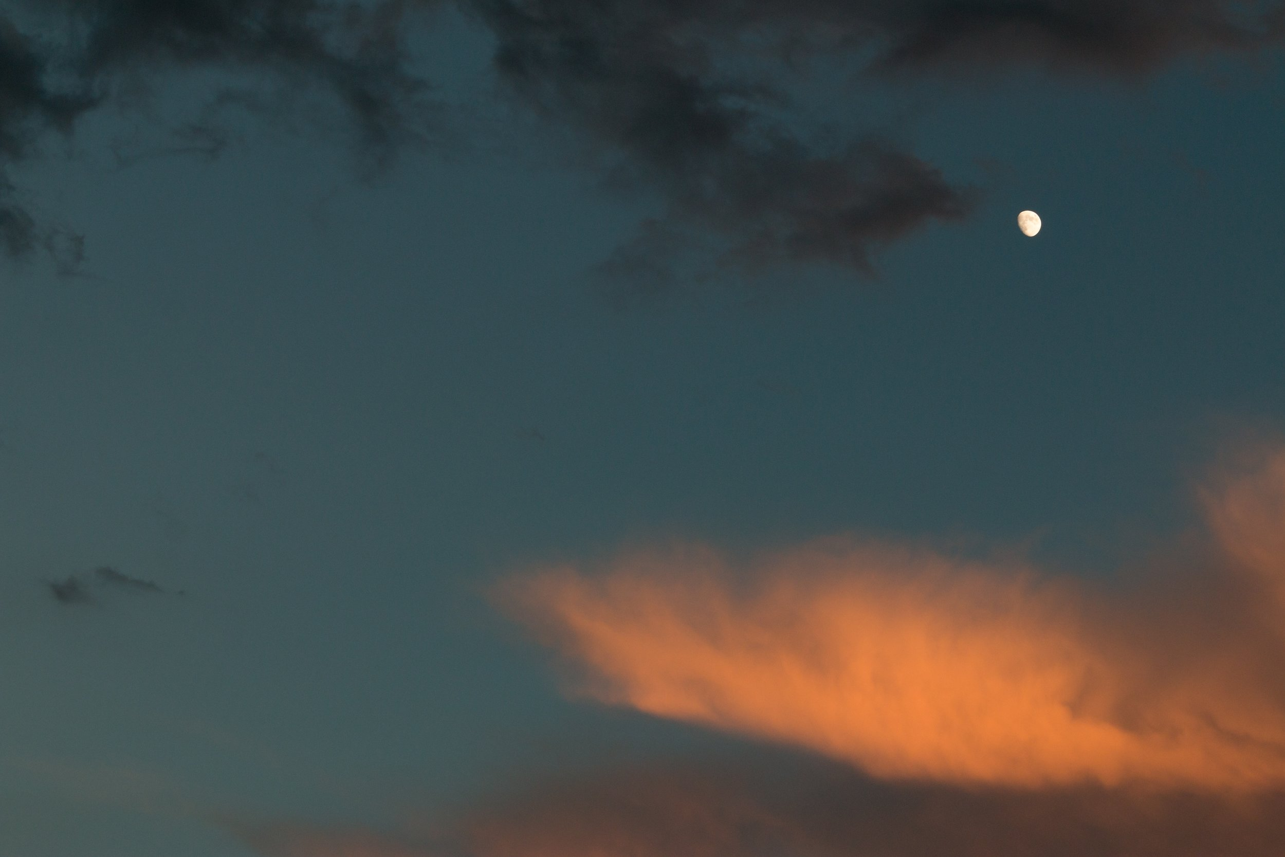 clouds-moon-nature-470940.jpg