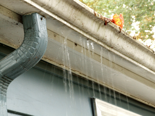 Fix leaking gutters