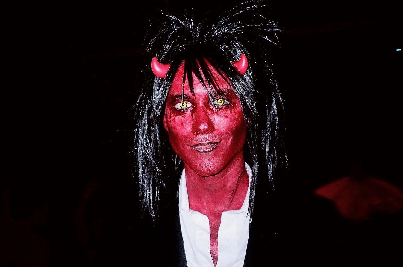 MANOR849-Devil-03.jpg