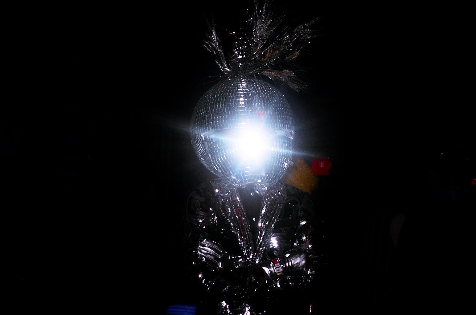 MANOR849-Disco-02.jpg