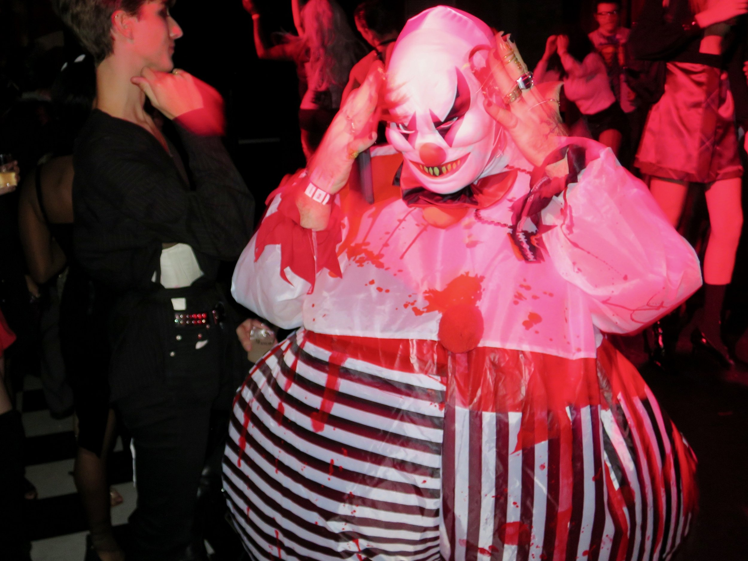MANOR849-Fat-Clown-01.jpg