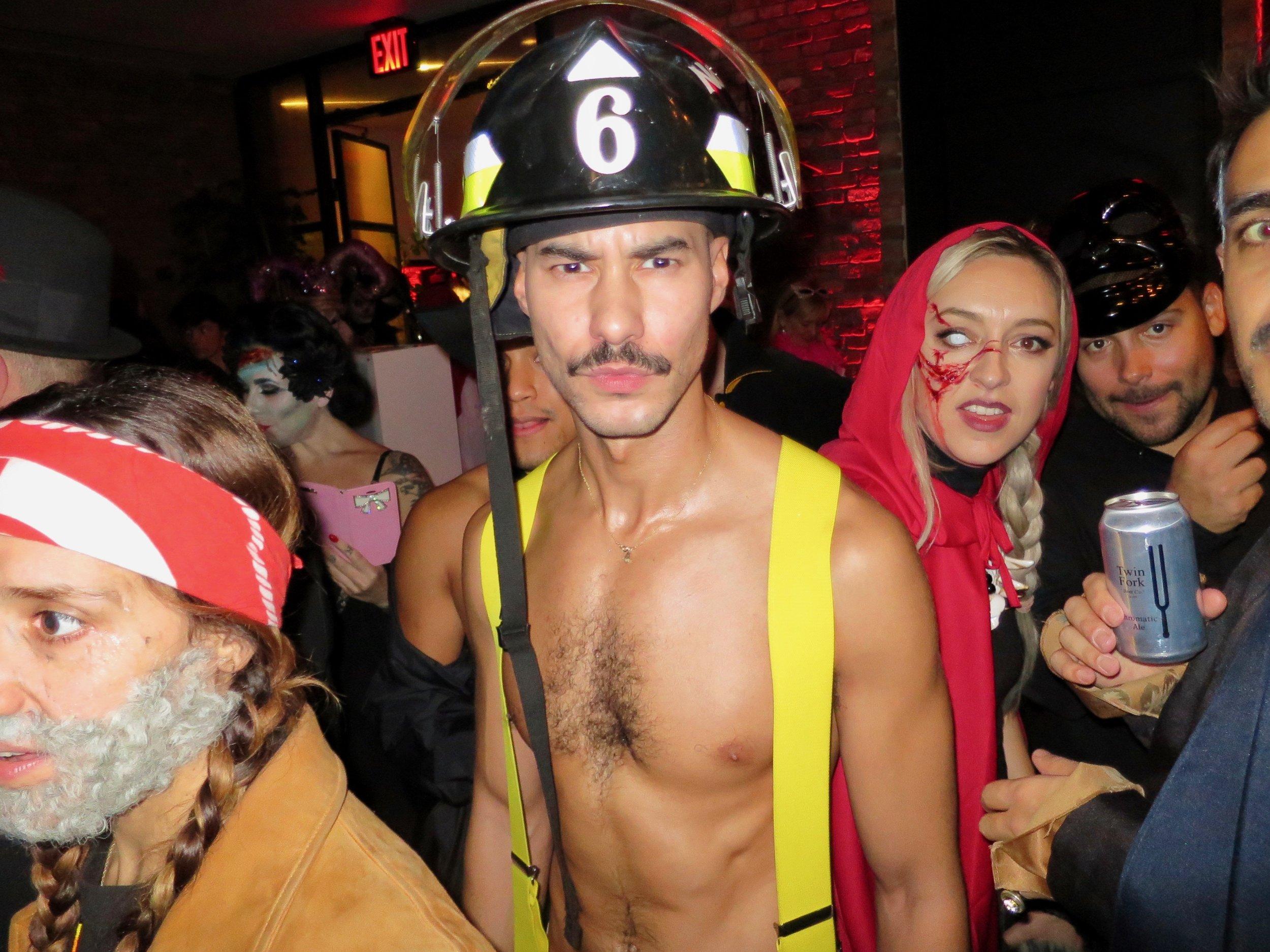 MANOR849-Fireman-01.jpg