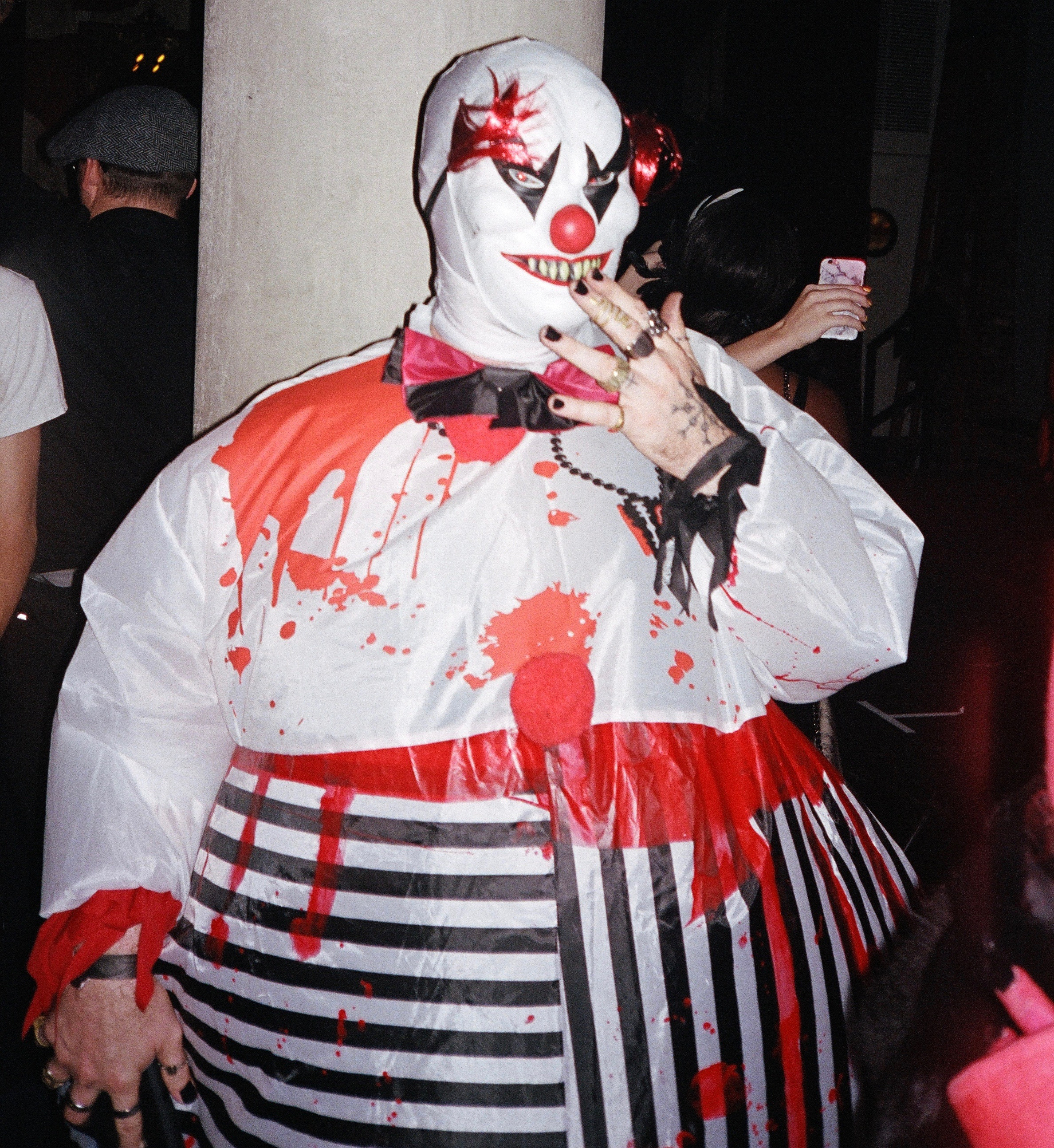 MANOR849-Fat-Clown-02.jpg