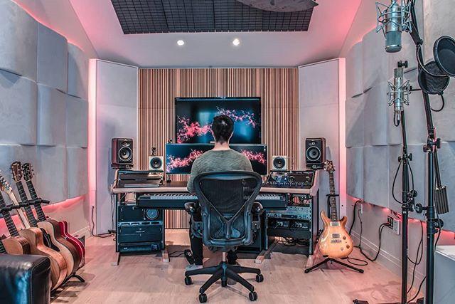 Dream Living.  #studio #studioporn #musiccomposer #filmcomposer #filmscoring #seemystudio