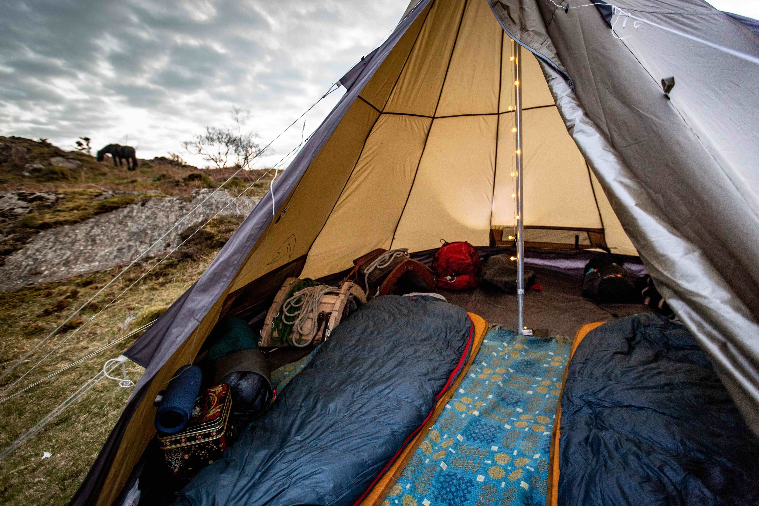 Space and comfort with the award-winning    Robens    technical tents, mattresses and sleeping bags