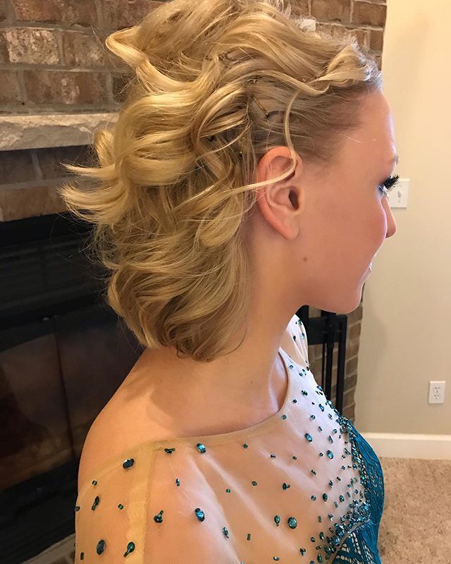 I love prom in a small town. 💜 We styled Kara's hair at 9:30 am and it still looked fabulous at midnight even with all the wind, snow and dancing. ☺️ It was so fun to go to Rochelle's Grand March this year and see all of our girls in full dress up. I wish I had gotten more pictures. Hope you all had fun!