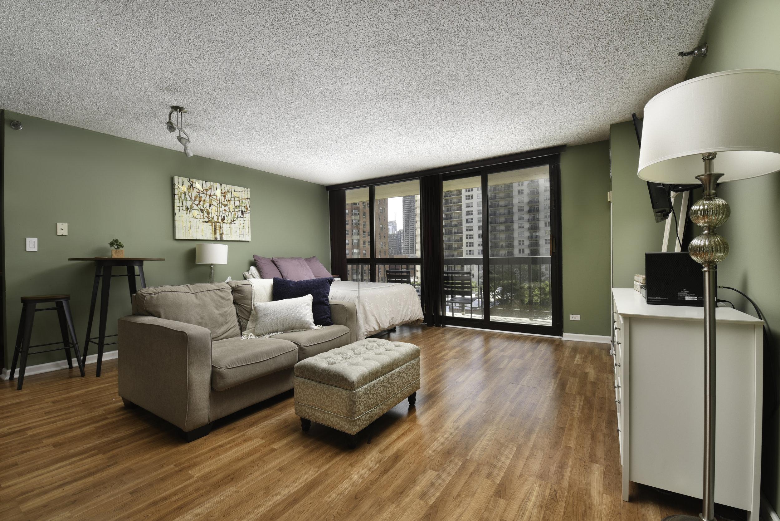 33-W-Delaware-9E-kourtney-murray-chicago-real-estate-2.jpg