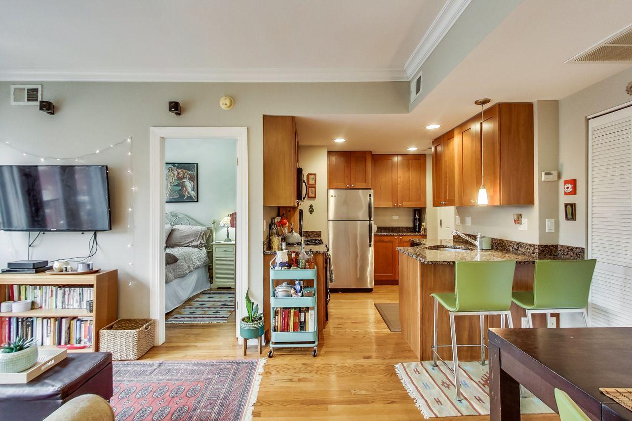 4422-n-ashland-3w-chicago-kourtney-murray-real-estate-kitchen-condo