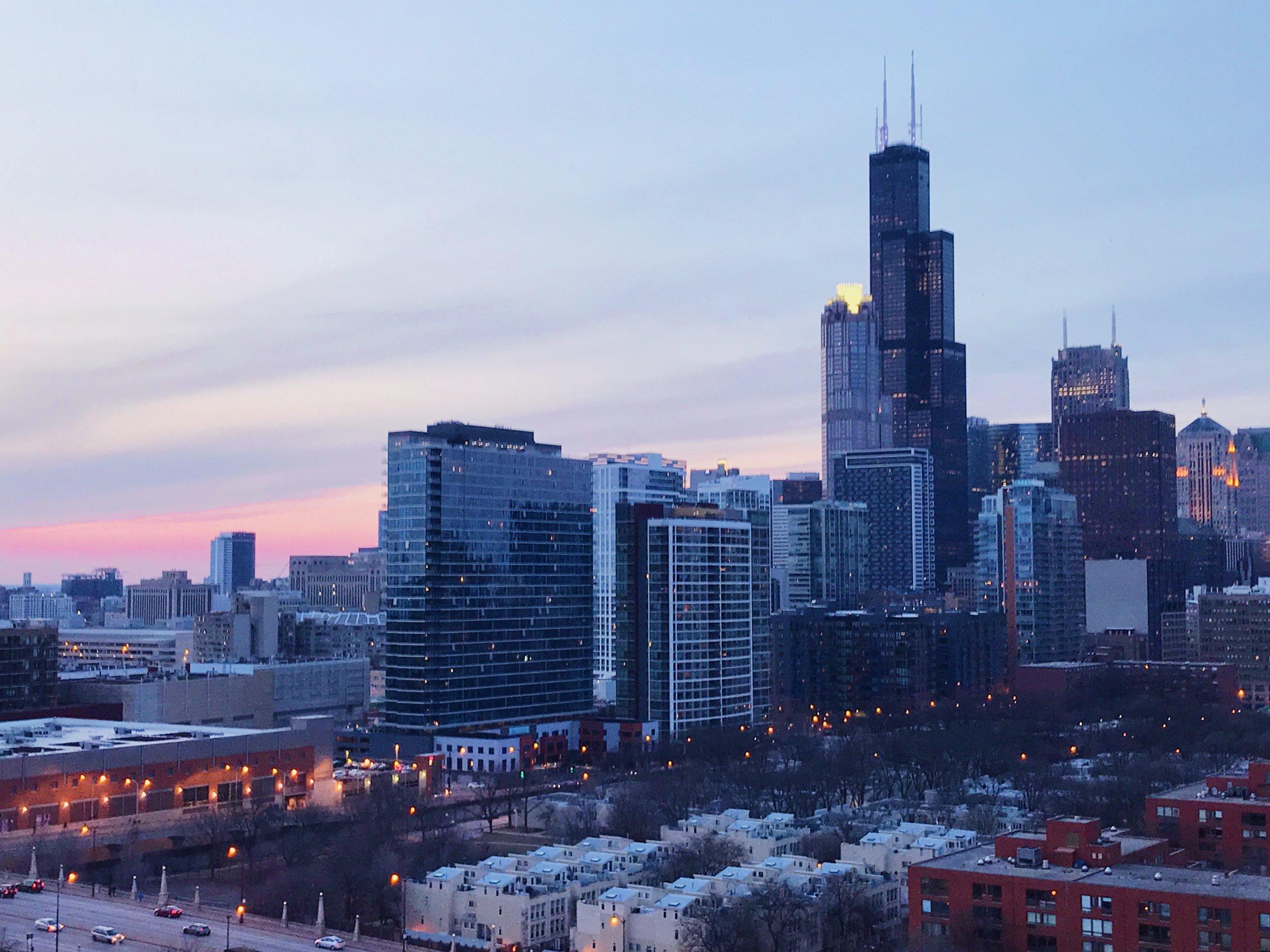 1255-s-state-1814-kourtney-murray-chicago-real-estate-south-loop-skyline-sunset.jpg