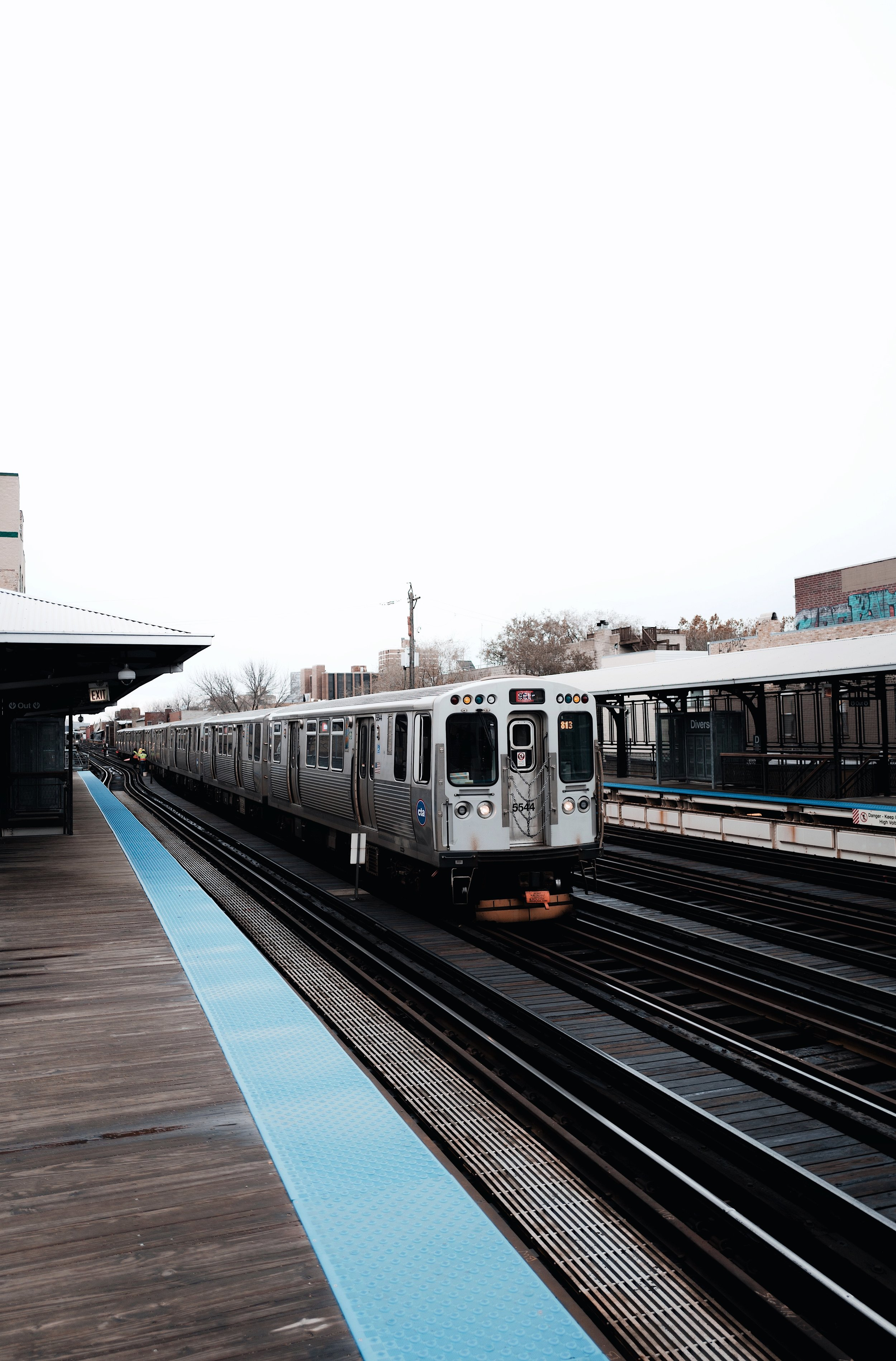 chicago-cta-l-red-line-getting-around-chicago.jpg