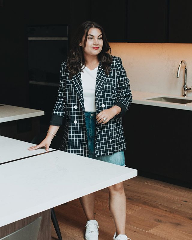 What does it take to become a real estate broker? . I recently sat down with @chicagorealtors to talk about my journey in real estate & where I'm headed next. Check out the link in my bio for my #1 piece of advice for new brokers. . . . pc: @alynauta #thechicagoguide #chicagohome #atproperties #chicagorealestate #chicagorealestateagent