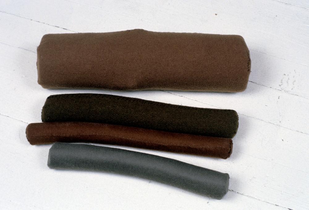 KS94S_Logs_wool sewn over wood_5x16x16.jpg