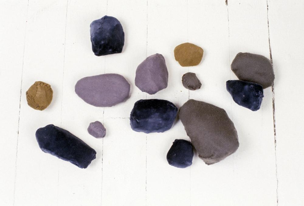 KS94S_Natural Rocks_fabric sewn over rocks_3x26x15.jpg