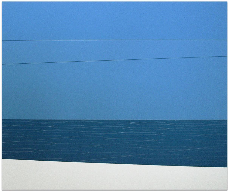 Sea & Sky all blues, white ship strip