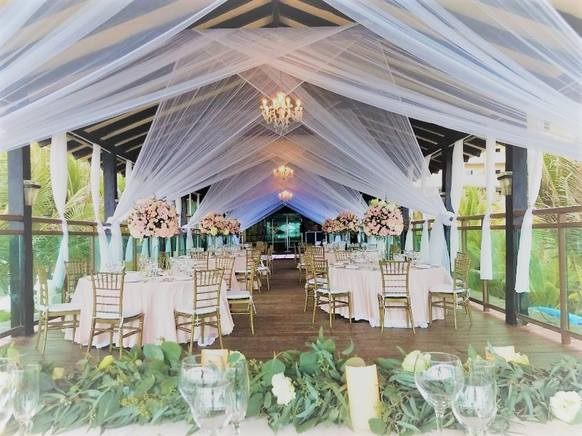 pier deck reception foliage gold votives.jpg