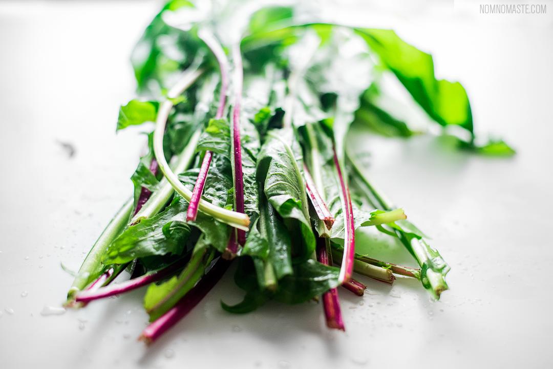 Steak_Dandelion-Greens_Carrots_Chimichurri_SayNomaste_2.png