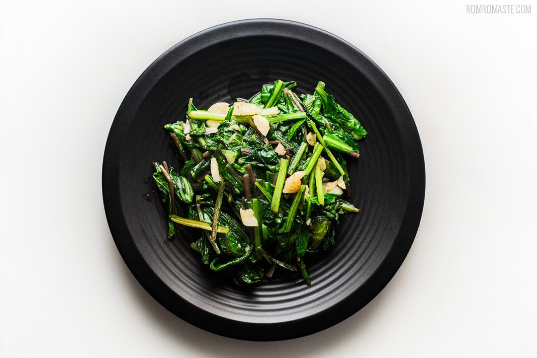 Steak_Dandelion-Greens_Carrots_Chimichurri_SayNomaste_4.png