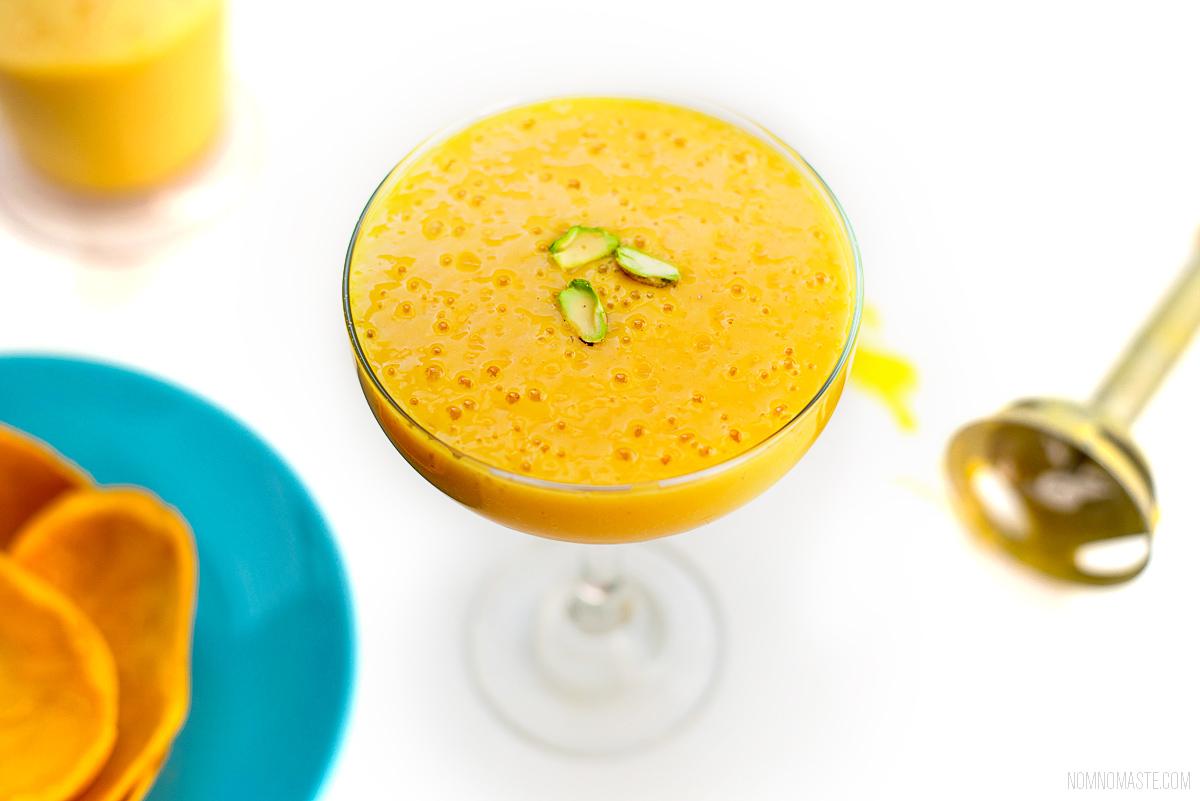 Mango-Vanilla-Cardamom-Vegan-Energy-Protein-Smoothie_Nomaste_10
