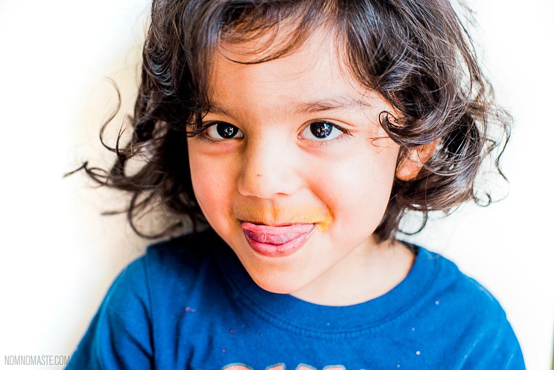 Mango-Vanilla-Cardamom-Vegan-Energy-Protein-Smoothie_Nomaste_3