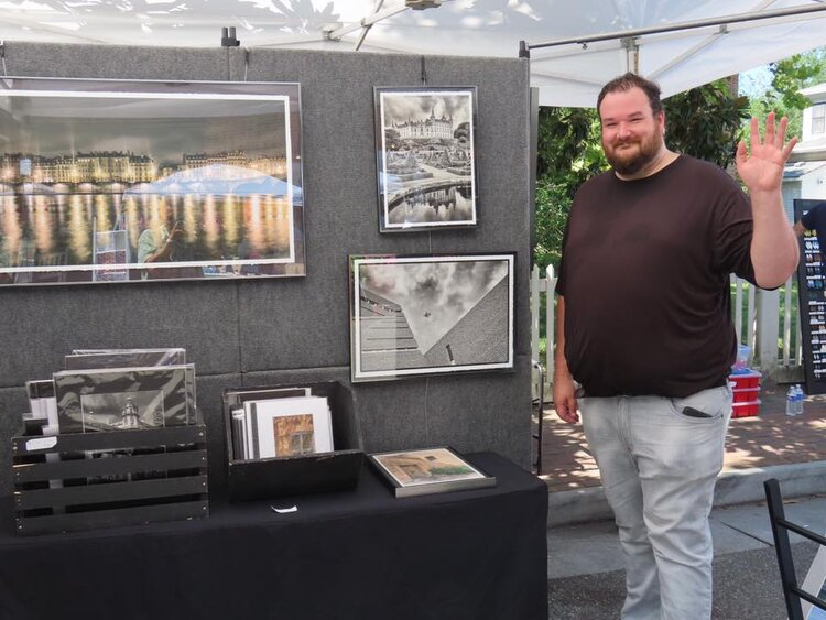 Geoffrey Coleman with photography booth Aug 2019.jpg