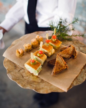 lauren-jake-wedding-appetizers-7359-s111838-0315_vert.jpg