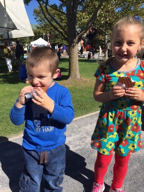 children eating ice cream.JPG