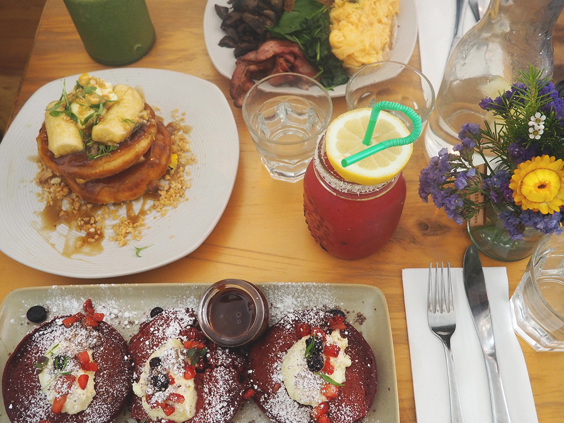 Muharam Cafe Blog Review Hawthorn - mango sunset smoothie, red velvet pancakes, house made crumpets and big breakfast
