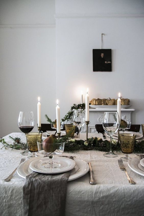 Christmas Table Inspo.jpg