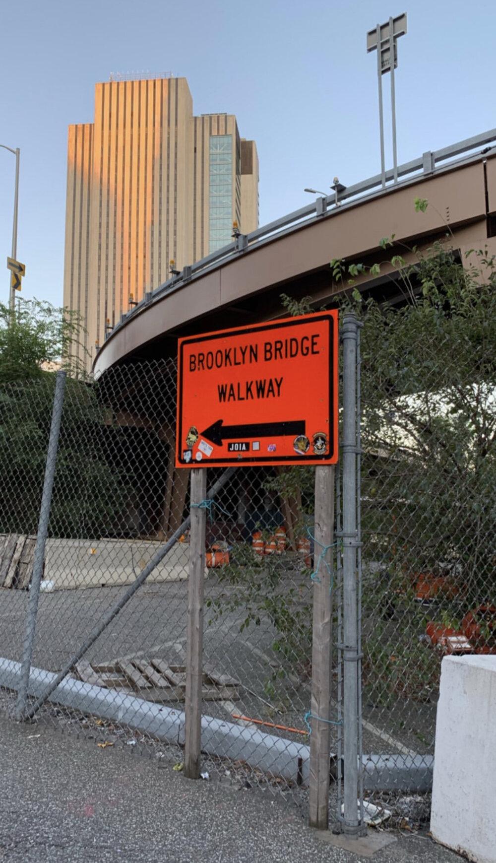 bresheppard.com : NYFW 2019 Walking to Brooklyn Bridge.jpg
