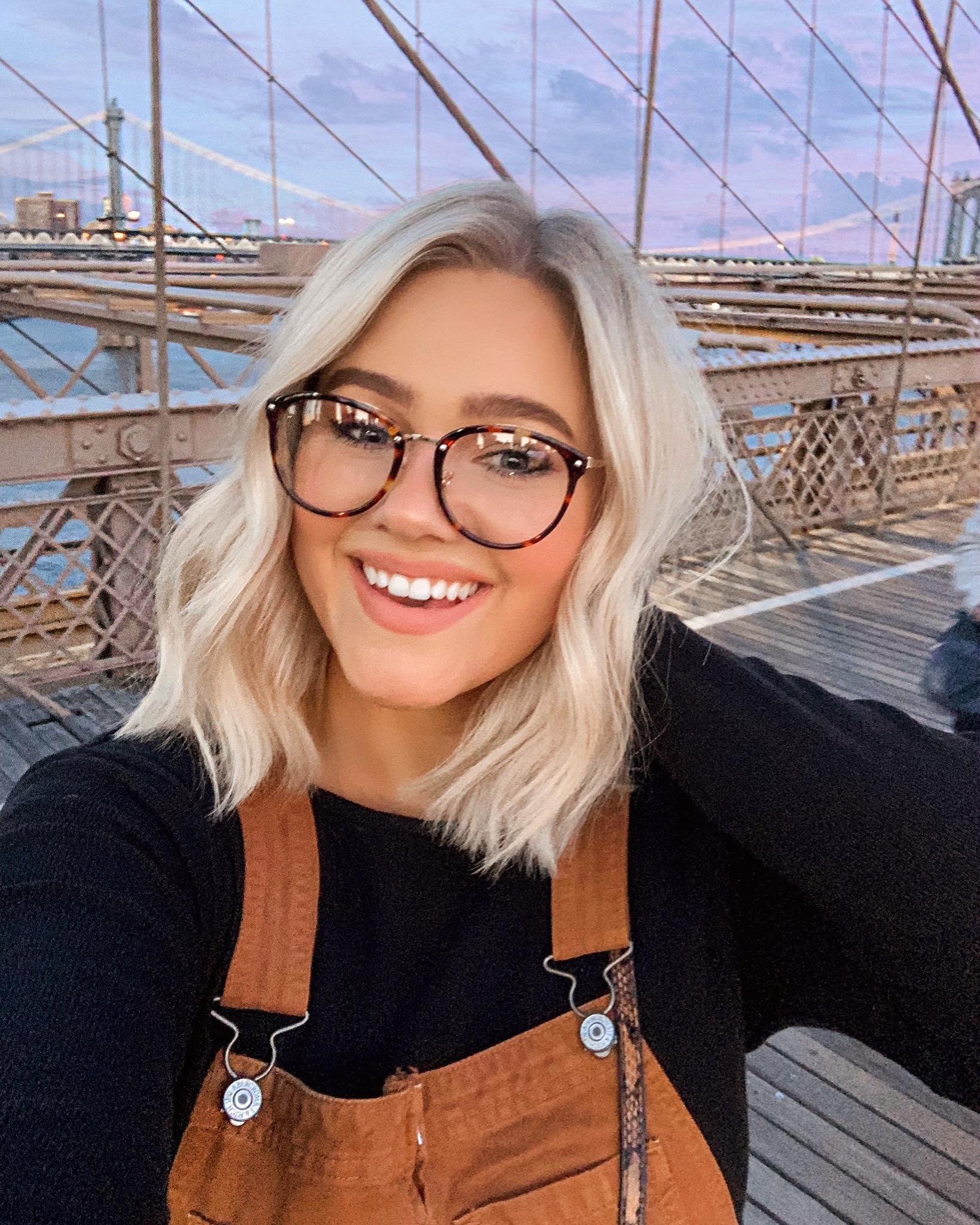 Brooklyn Bridge Selfie / Short Hair Goals / Glasses - Bre Sheppard