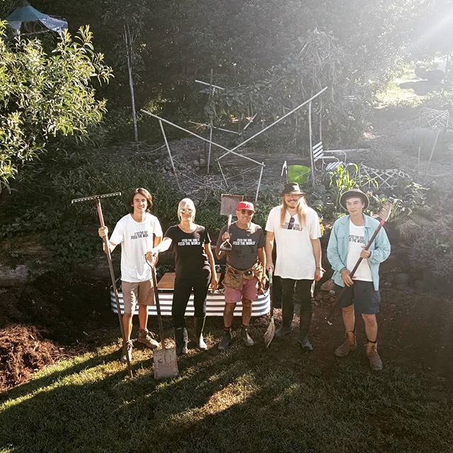 We're all obviously very excited! WHY? 😚 Well, it's International Compost Awareness Week, of course @compostweekaustralia 🌱 And to celebrate we are holding a FREE event this Saturday at @thefarmatbyronbay with @geofflawtononline and a few other compost lovers 💚 Learn some new tips and tricks for your compost and how simple composting actually can be, yet how impactful it can be to our globe! #feedthesoilfeedtheworld🌏  #CelebrateICAW#zerowaste#byronbay#theplanting #theplantingfestival #woodford#woodfordia#homestead#homesteading#sustainablesprout#greenschool#raisedgardenbeds#urbangardenersrubplic#urbanorganicgardener#groworganic#gardenactivist#gardeninspo#learntogrow#urbangardening#growveggies#greencafe