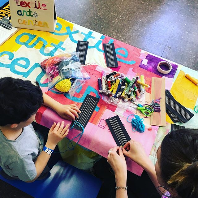 Making bracelets with @textileartscenter . . . STEAM Fair 2019  Prospect Ave & 7th Ave  TODAY May 11, 11 to 4pm #stem #steameducation #publicschool