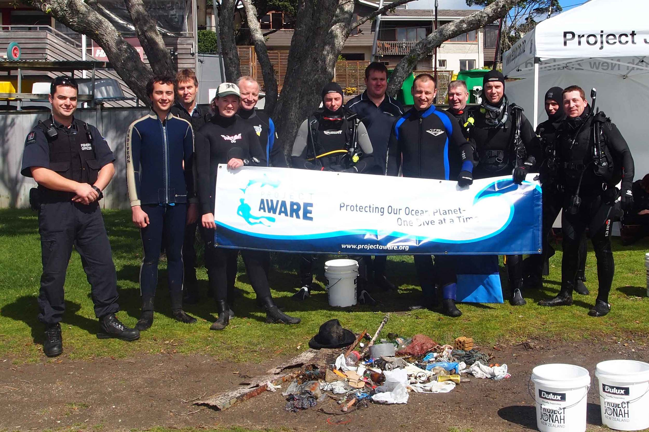2013 Murrays Bay Dive for Debris