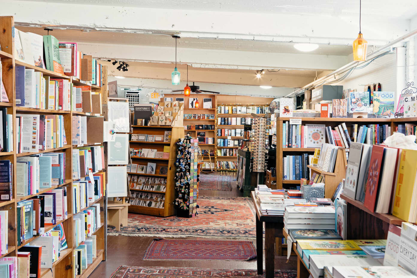 blog_bookends and beginnings_at_coolest suburbs_2019_evanston-il_evanston-il-bookends-beginnings-3.jpg