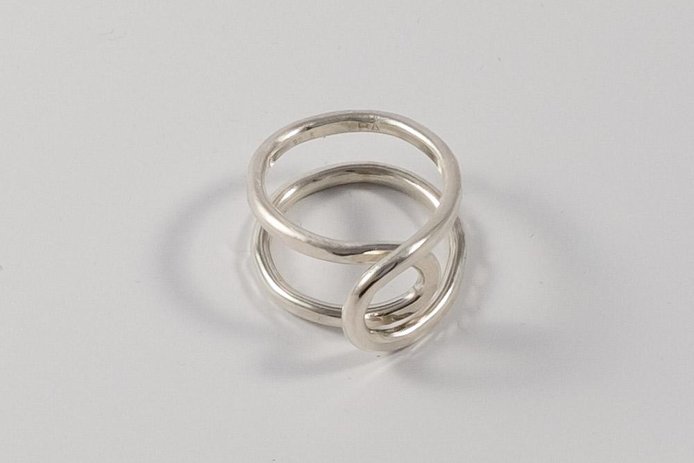 Pris dkk. 850. Dobbelt sølvring