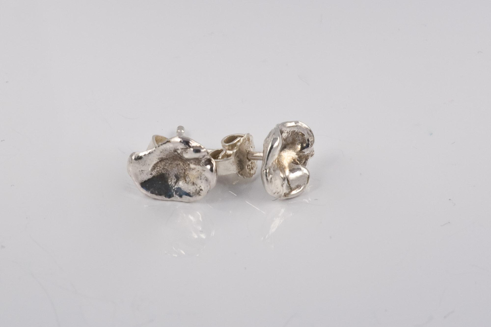 Kr. 475. Blomster-øreringe. Unika