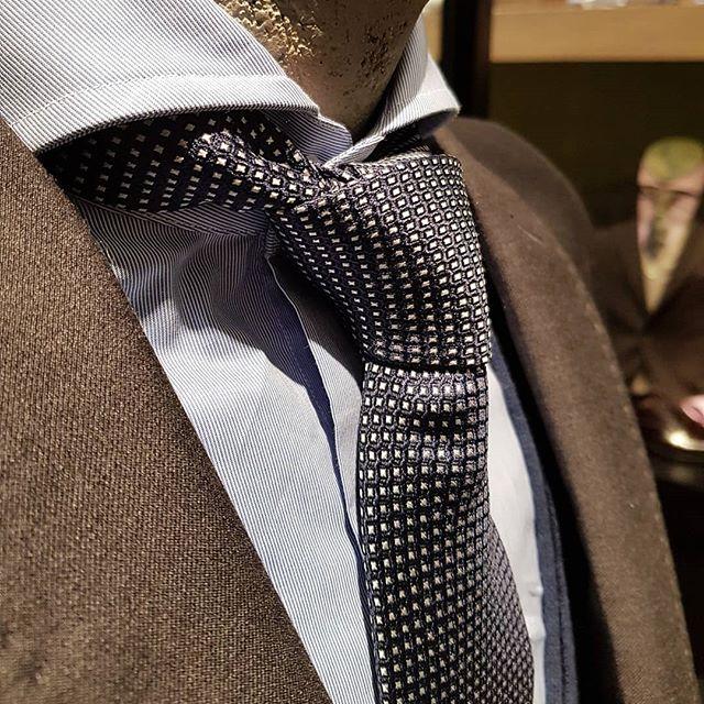 Business or pleasure? ⬅️Or➡️ #mensfashion #mensstyle #madeinitaly #fashion #wintercollection #instastyle #instafashion #business #pleasure #grey #blue
