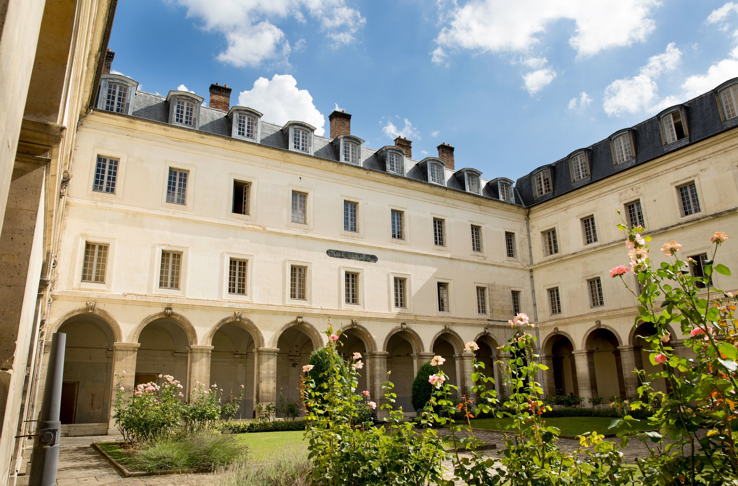 HOTEL DE L'ARTILLERIE, Paris  A prospective report on the future of learning