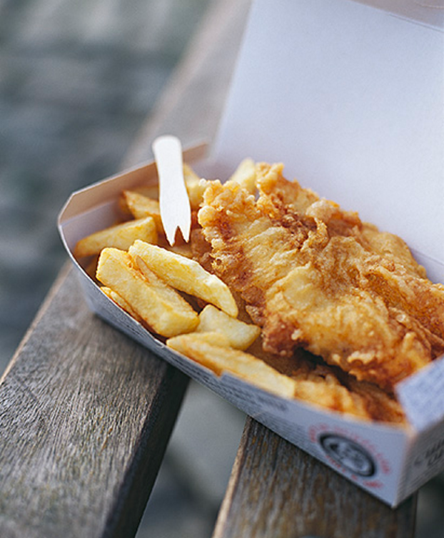 FISH & CHIPS. SHOT AS PART OF A WAITROSE FOOD ILLUSTRATED STORY ON AWARD WINNING ANSTRUTHER FISH BAR. ©BRENDAN MACNEILL.