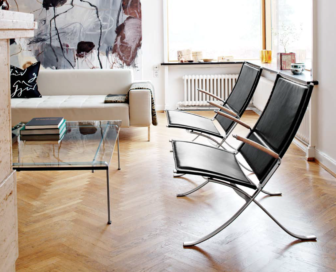 FK82 X-chair from Lange Production.